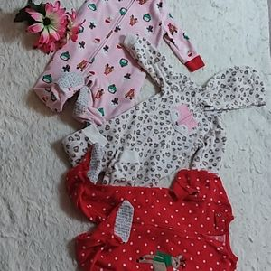 BABY GIRL Christmas pjs set of 3 / 9-12 months